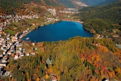 PINE_Lago